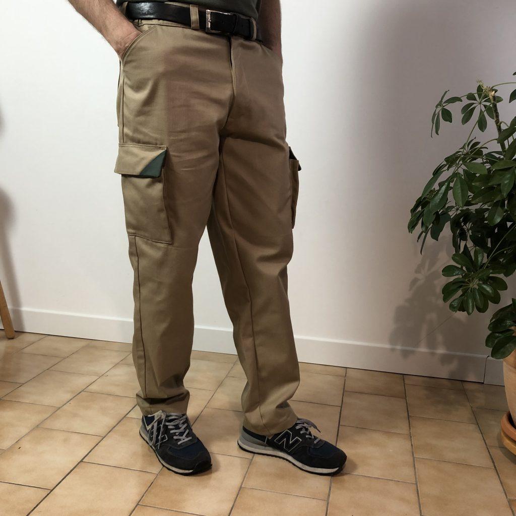 cargo pant avec deux poches latérales
