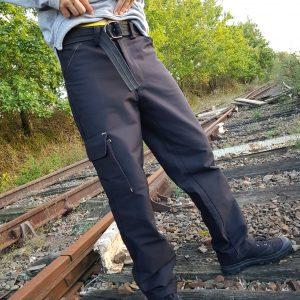pantalon cargo noir homme vue de face