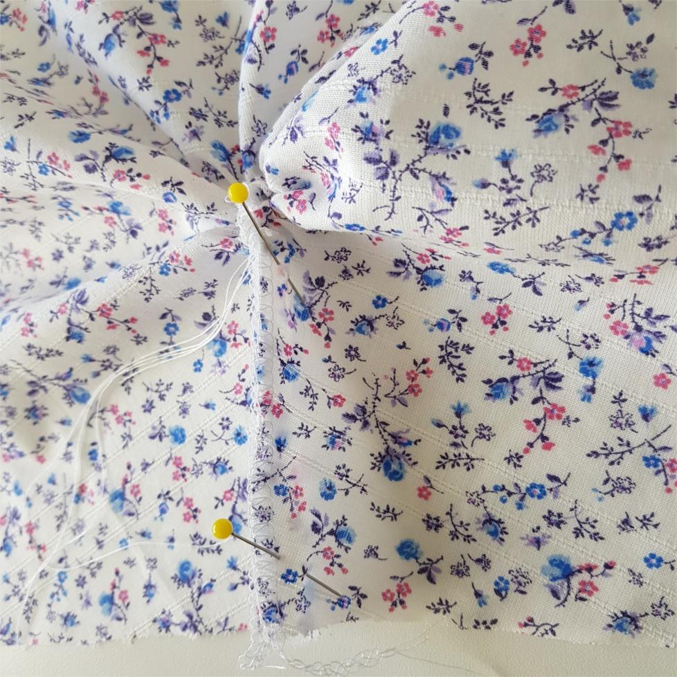 quatorzième étape pour coudre la blouse Valeria