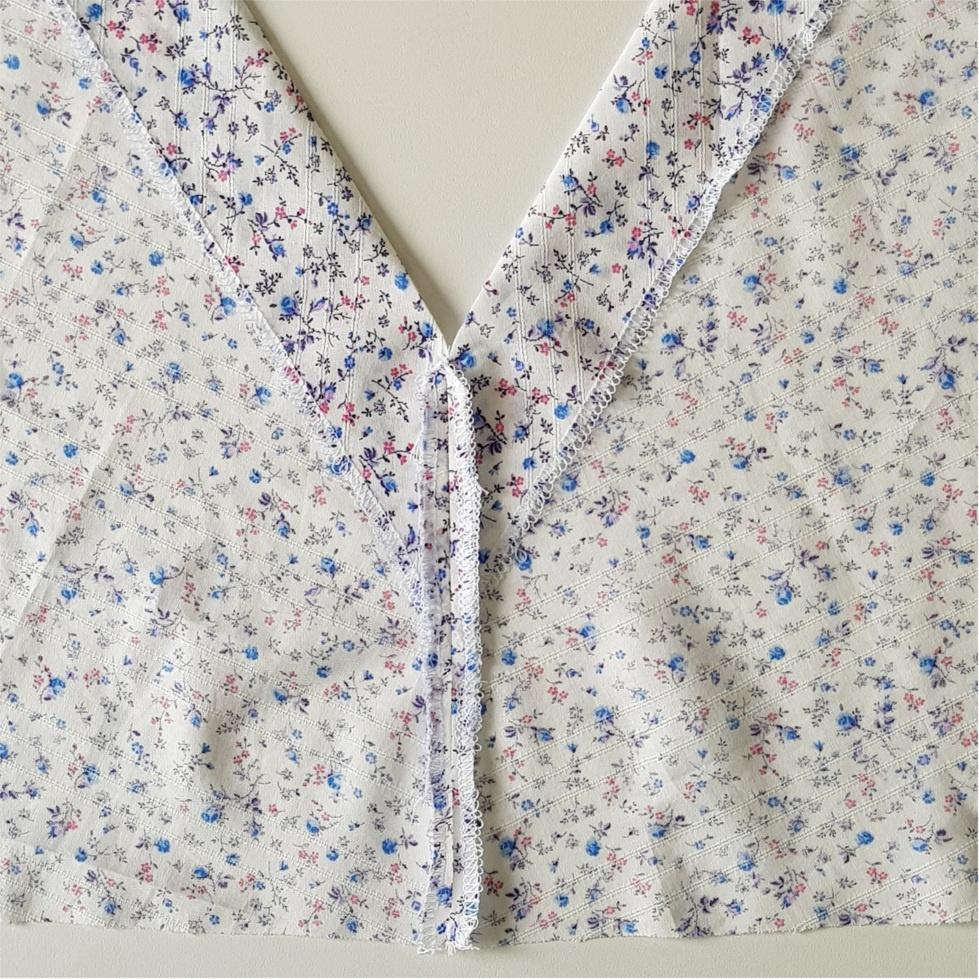 Quatrième étape pour coudre la blouse Valeria