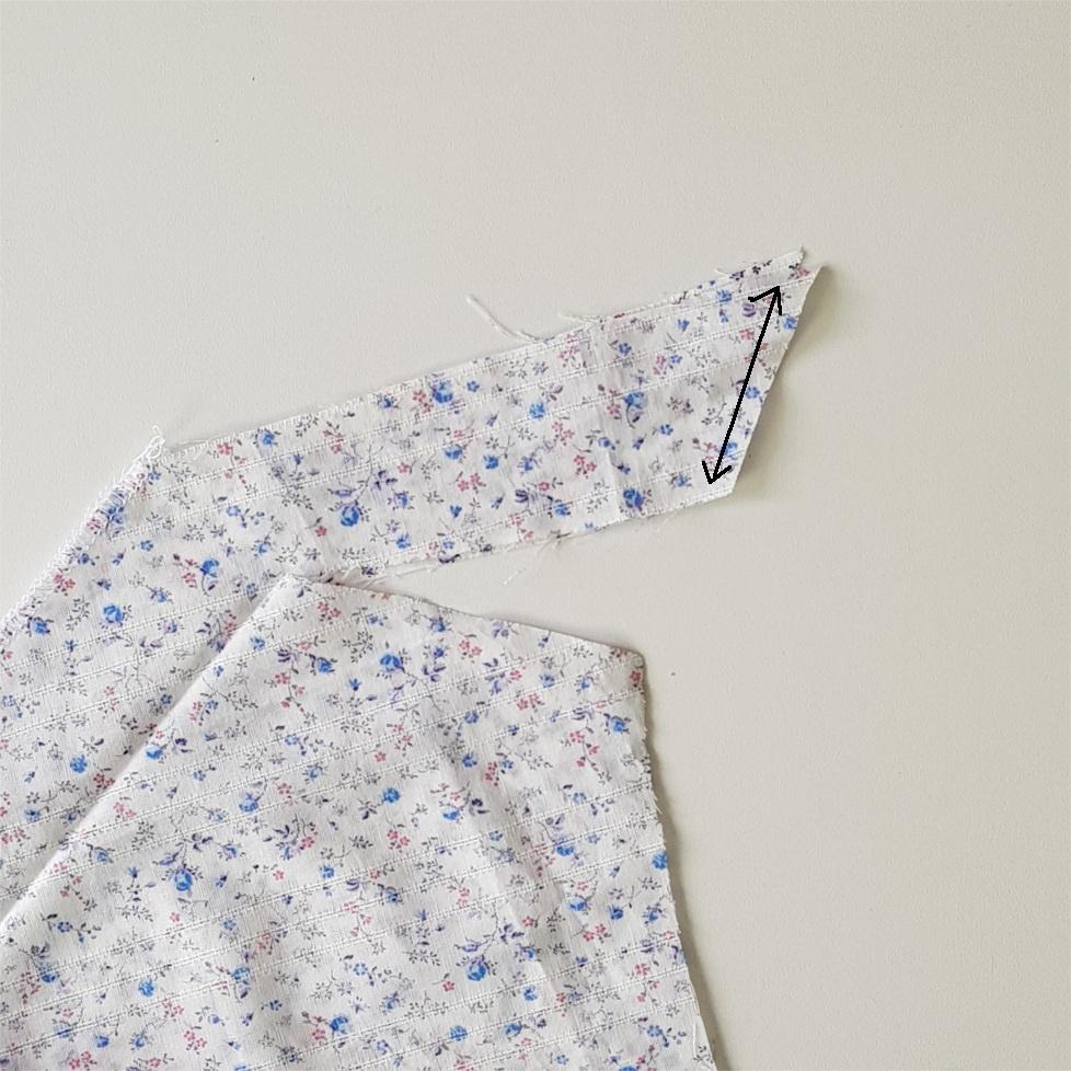 cinquième étape pour coudre la blouse Valeria