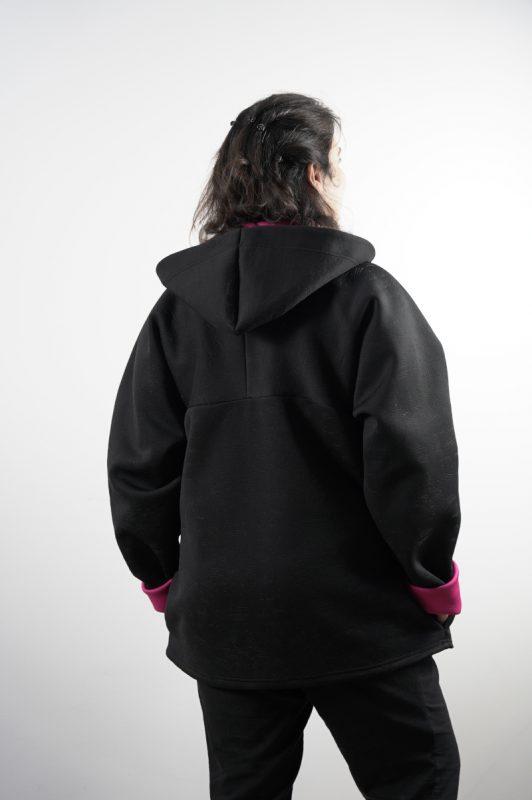 Sweat veste vue dos noir et fuschia